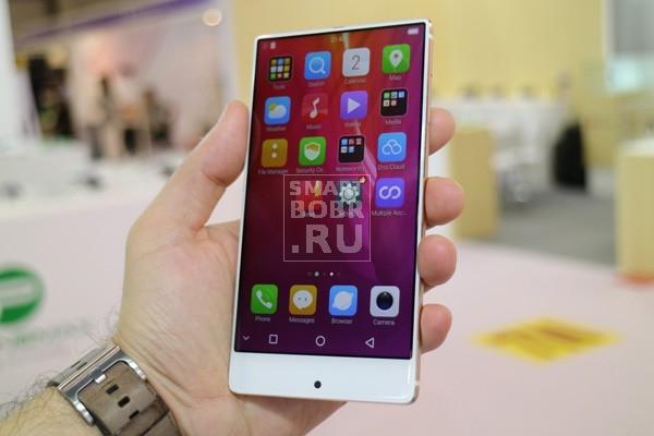 безрамочные смартфоны: Bluboo S1