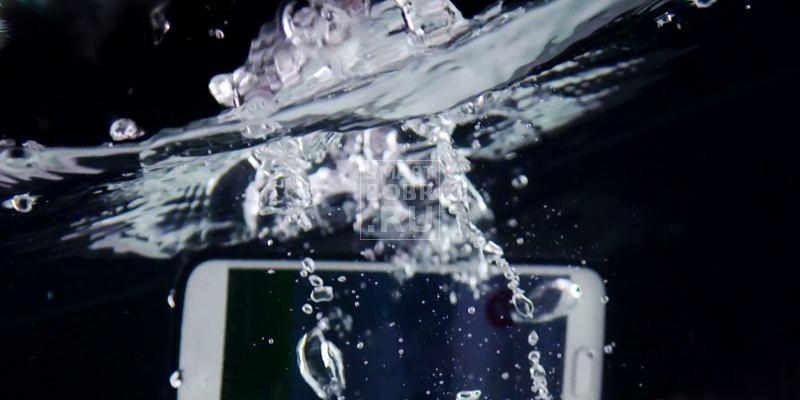 если телефон упал в воду