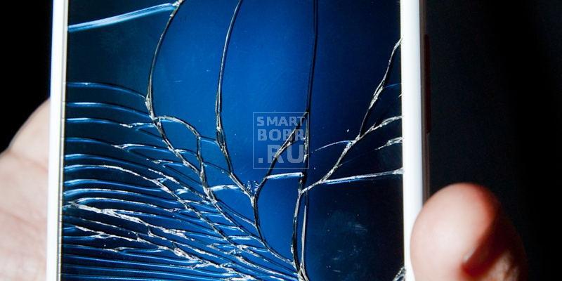 не бросать, если телефон упал в воду