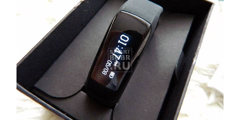 Фитнес-браслет Lenovo HW01