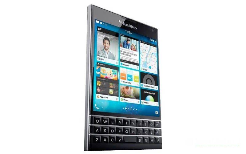 кнопочный смартфон Blackberry Passport
