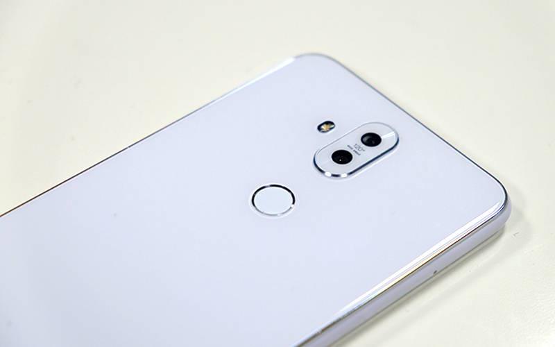 обзор смартфона Asus Zenfone 5 lite