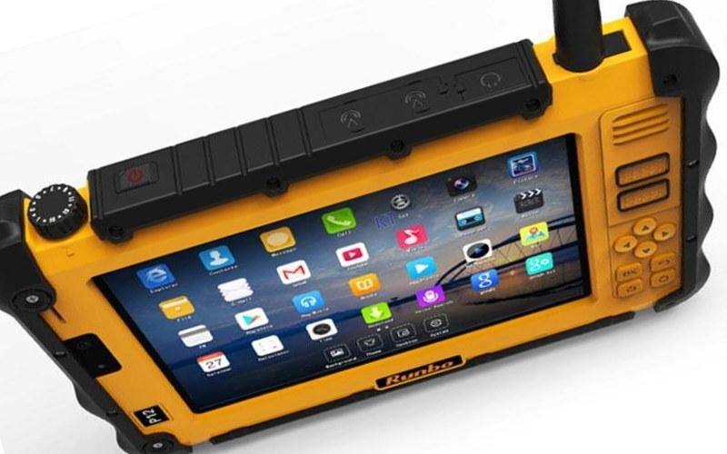 защищенный планшет Runbo P12