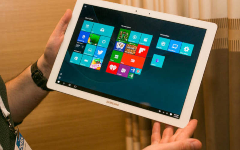 Планшет Samsung Galaxy TabPro S с диагональю 12 дюймов