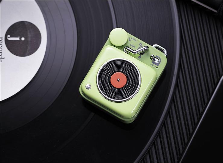 Elvis-Presley-Atomic-Play-B612-Bluetooth-speaker-3