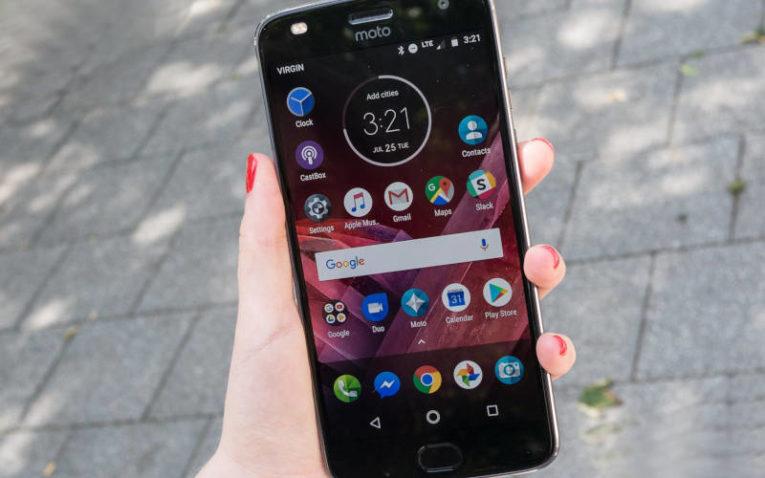 Недорогой смартфон с хорошей камерой Motorola Moto Z2 Play