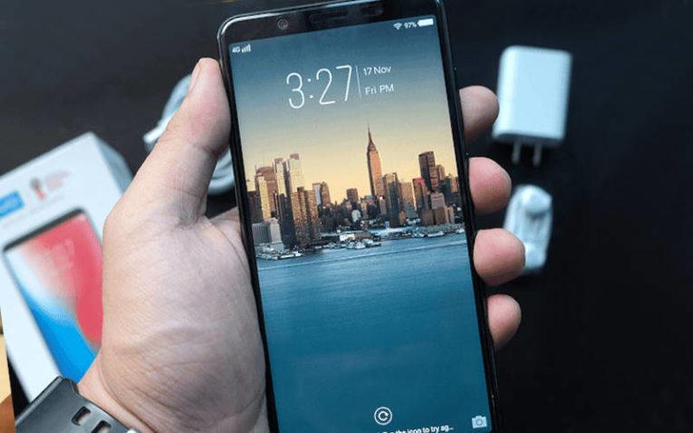 Недорогой смартфон с хорошей камерой Vivo V7