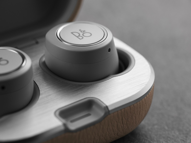 bang-olufsen-e8-2-0-wireless-earphones-2