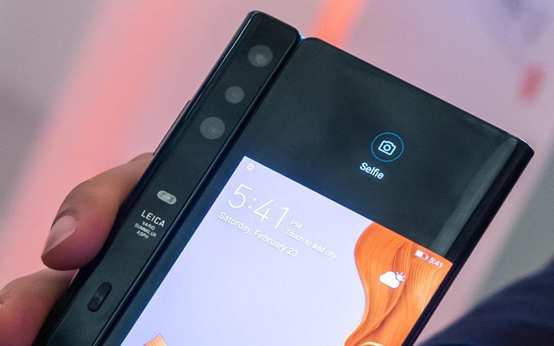 Samsung-Galaxy-Fold-vs-Huawei-Mate-X-the-Big-Battle-of-Foldable-Phones