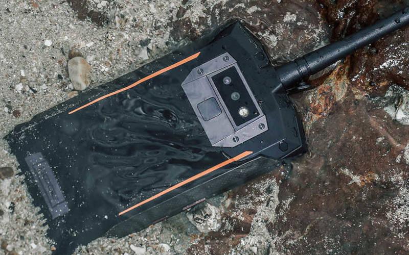 телефон с хорошей батареей Doogee S80 Lite