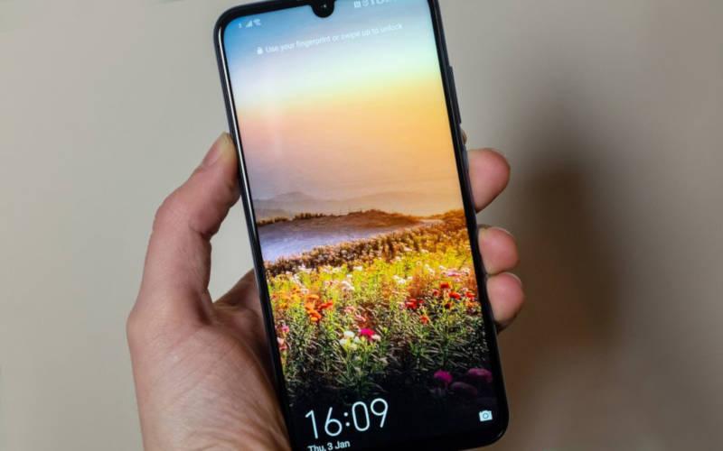 смартфоны до 15000 рублей - Honor 10 Lite