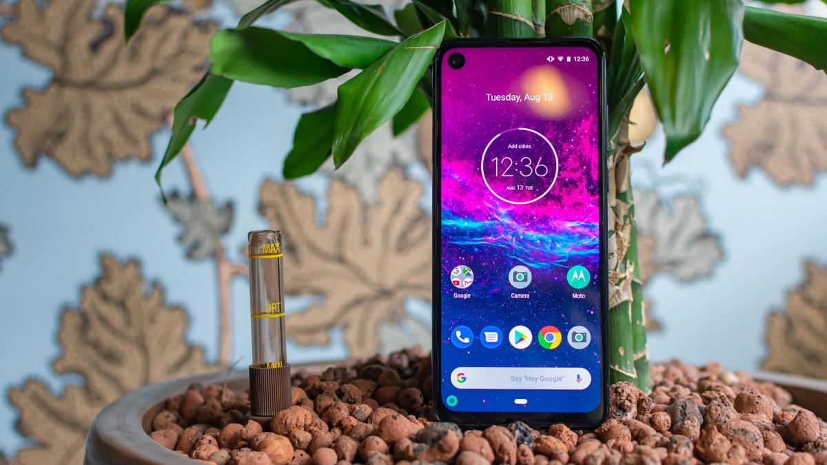 motorola-one-action-review