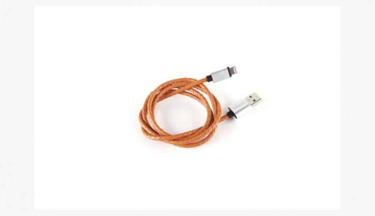 кабель USB для смартфона